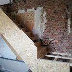 Plaatsen nieuwe trap